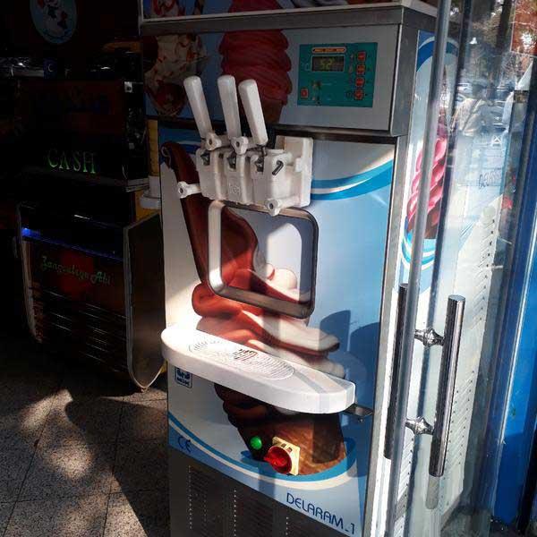 دستگاه بستنی قیفی نیکنام