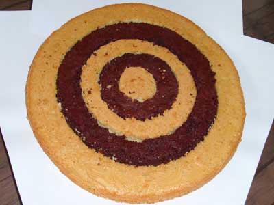 طرز تهیه کیک اسفنجی شکلاتی