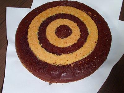 طرز تهیه کیک تولد خامه ای