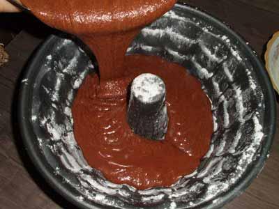 طرز تهیه کیک شکلاتی خوشمزه