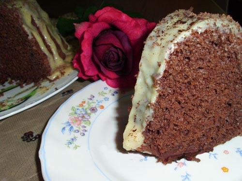 طرز تهیه کیک شکلاتی ساده برای 4 نفر