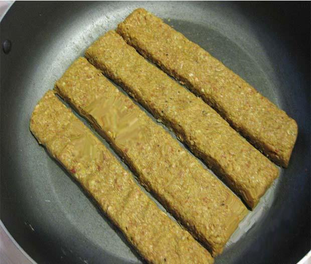 طرز تهیه کباب تابه ای با سس گوجه