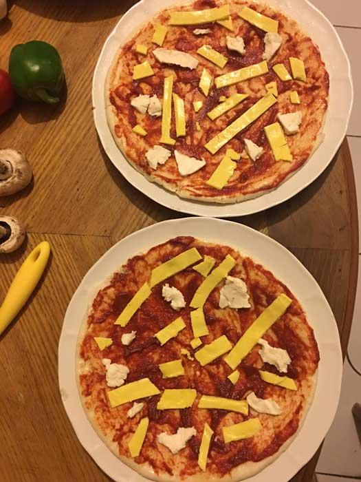 طرز تهیه پیتزا گوشت و قارچ بدون فر