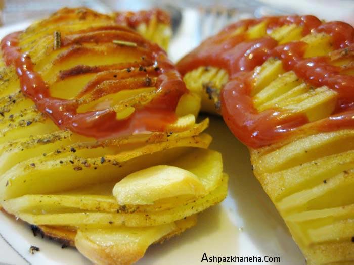 طرز تهیه سیب زمینی با پنیر پیتزا در فر