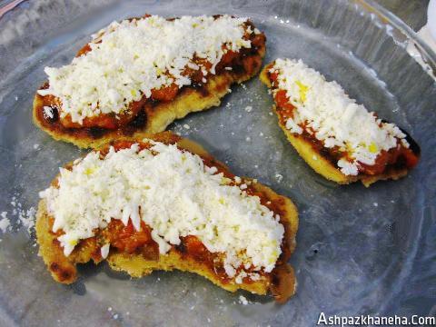 طرز تهیه شنیسل مرغ با پنیر پیتزا