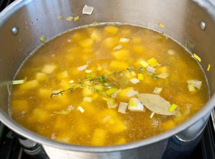 سوپ تره فرنگی قرمز