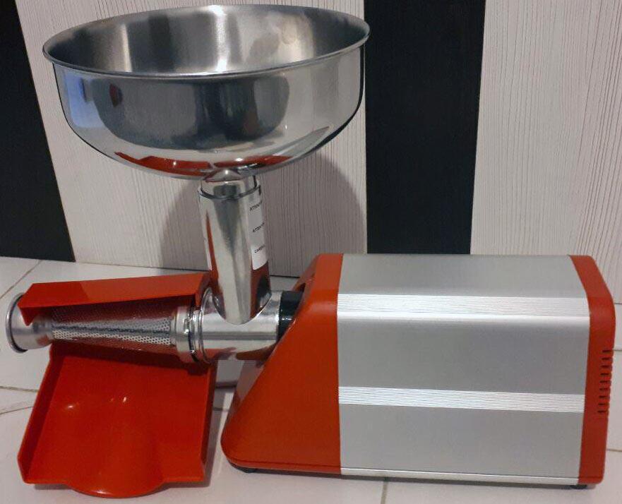 دستگاه آب گوجه گیری نیمه صنعتی