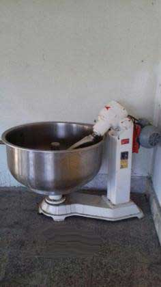 دستگاه خمیر گیر