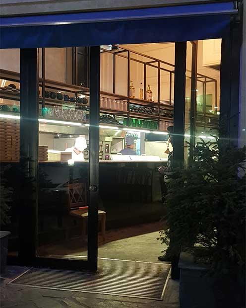 کافه پلاس یزد
