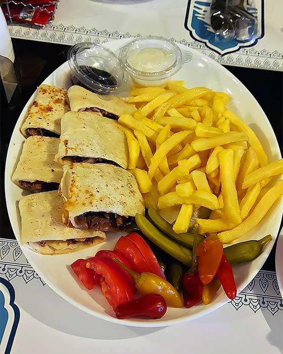 رستوران لبنانی نیاوران