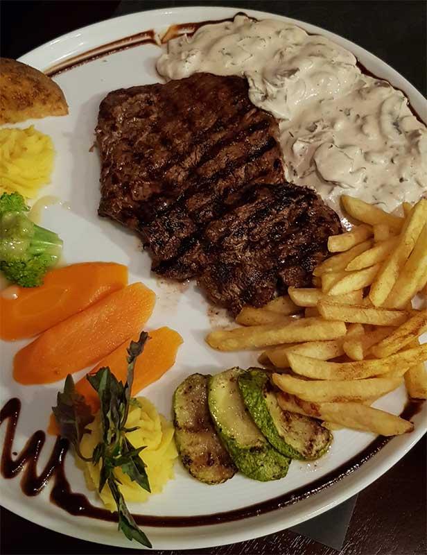 رستوران ايتاليايي پينار