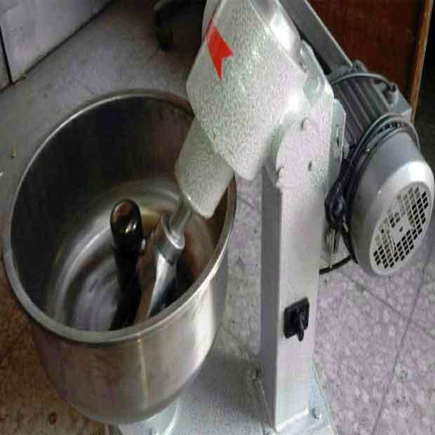 دستگاه خمیر گیر کوچک پانزده کیلویی استیل