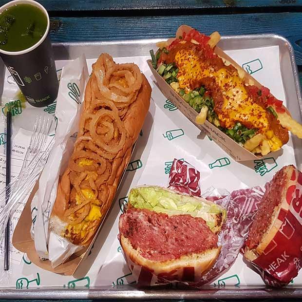 فست فود شیک شک با ساندویچ پاسترامی گوشت در میرداماد تهران