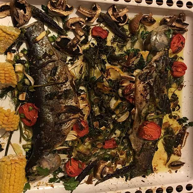 ماهی بریان قزل آلا خانگی با فر