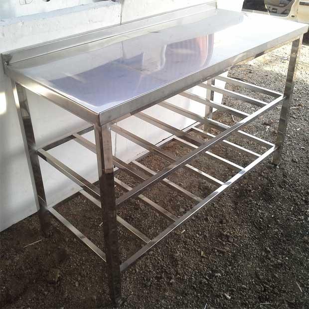 میز کار استیل با پایه و دو پاتروکی آشپزخانه صنعتی رستورانی