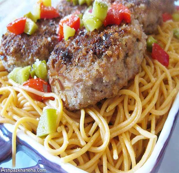مینی برگر گوشت قارچ خانگی با اسپاگتی