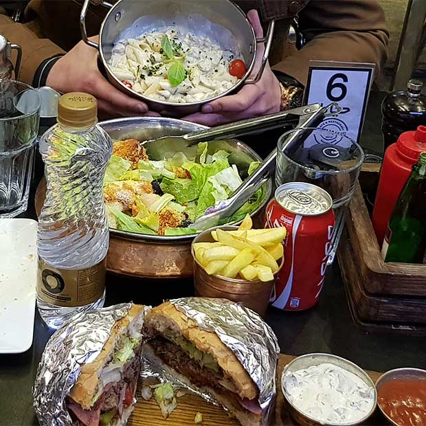 کافه رستوران هارپاگ در شهرک غرب تهران